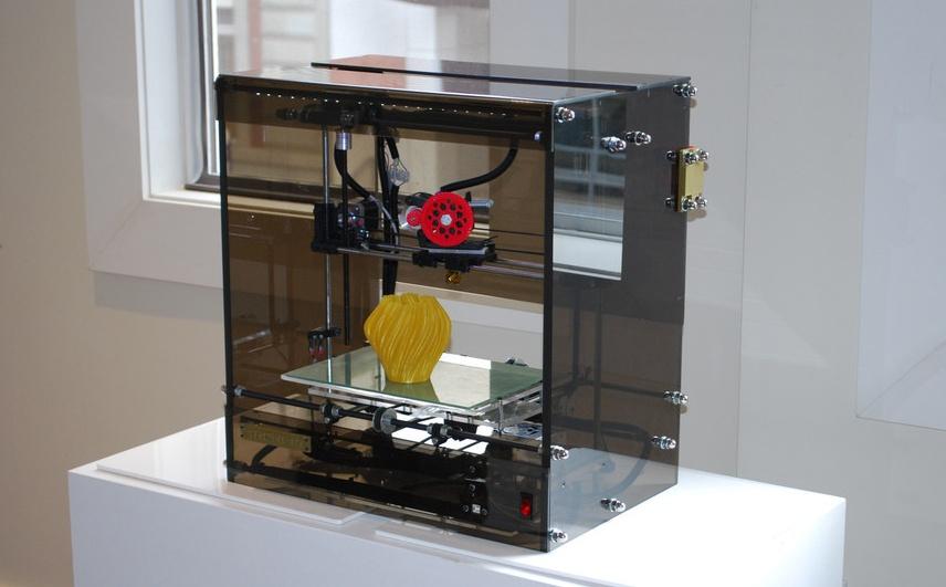 3D printers at the Edmonton Public Library